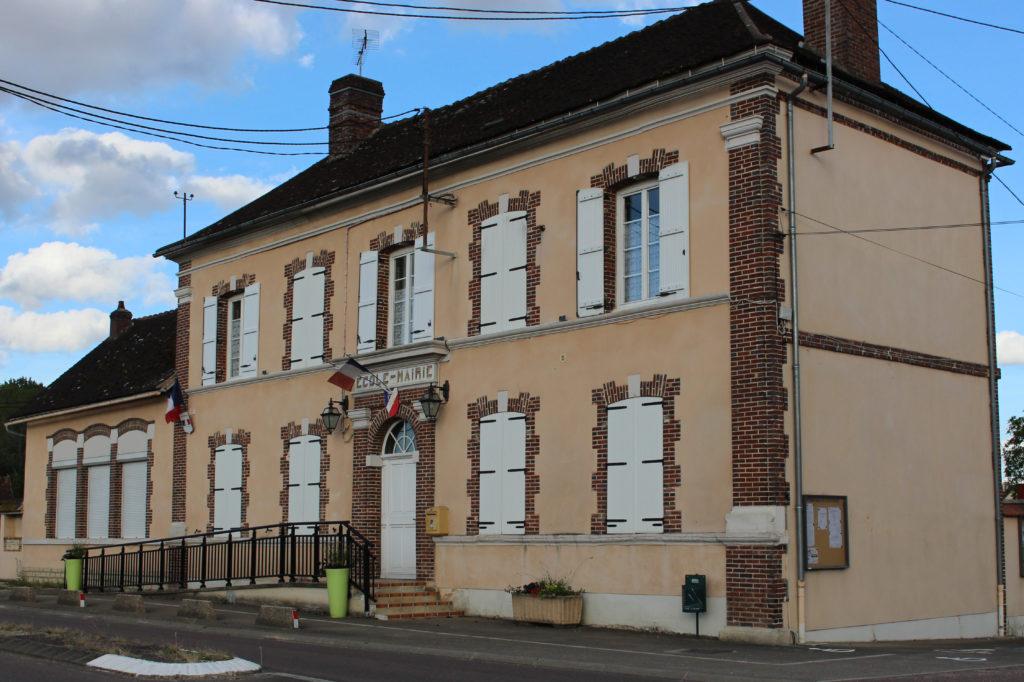 Bâtiment principal de la mairie d'Esnon-Vorvigny